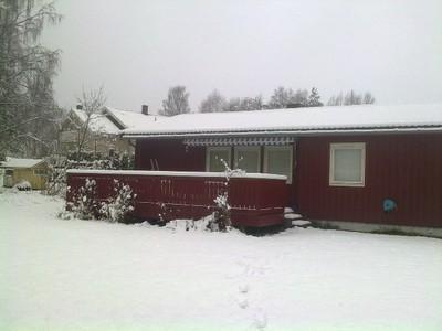 maison-rouge-neige.jpg